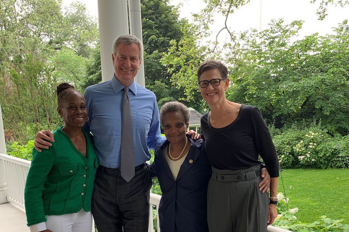 New York first lady Chirlane McCray, New York Mayor Bill de Blasio, Chicago Mayor Lori Lightfoot, and Chicago first lady Amy Eshleman