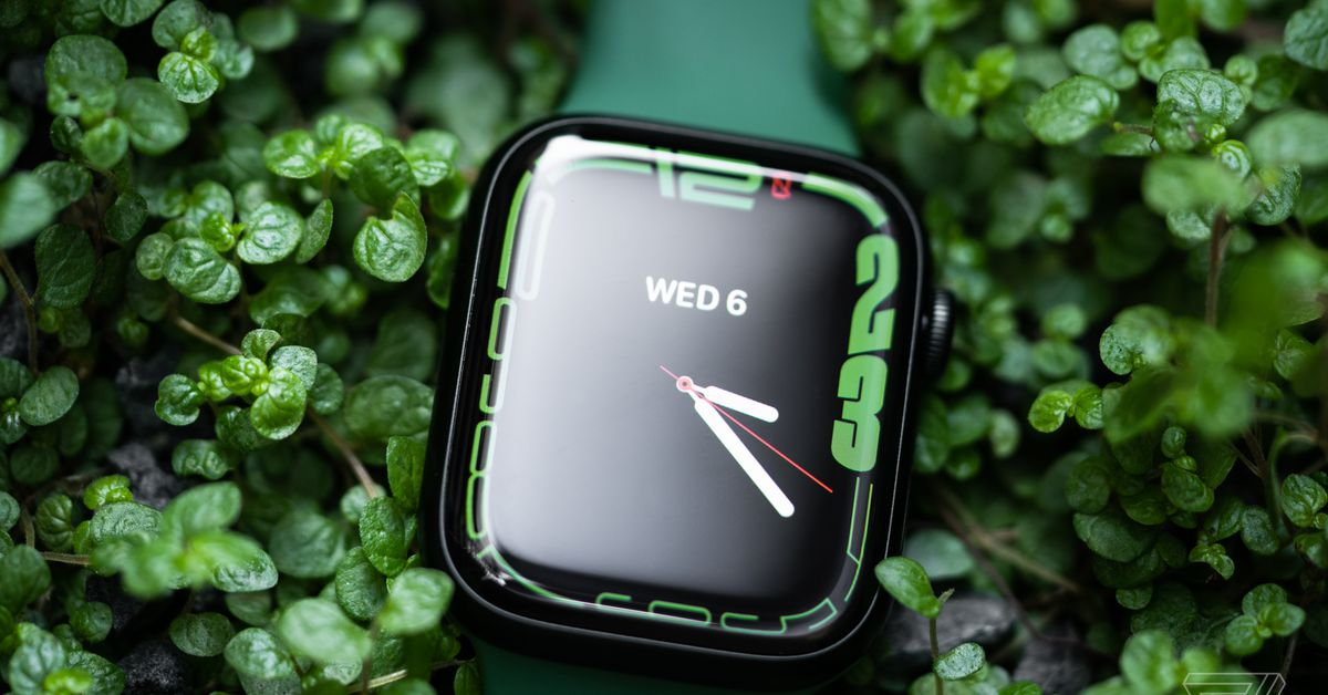 the-apple-watch-series-7-officially-ditches-the-hidden-diagnostic-port