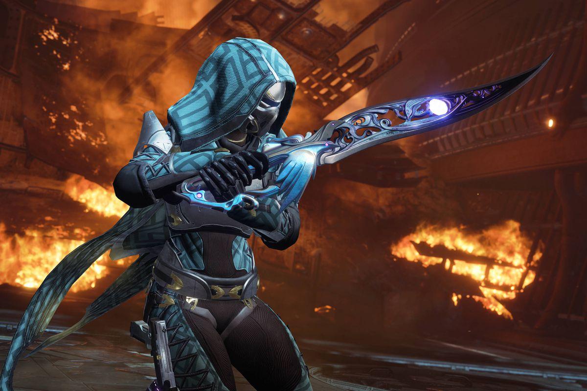 a Hunter holding a sword called Black Talon in Destiny 2: Forsaken