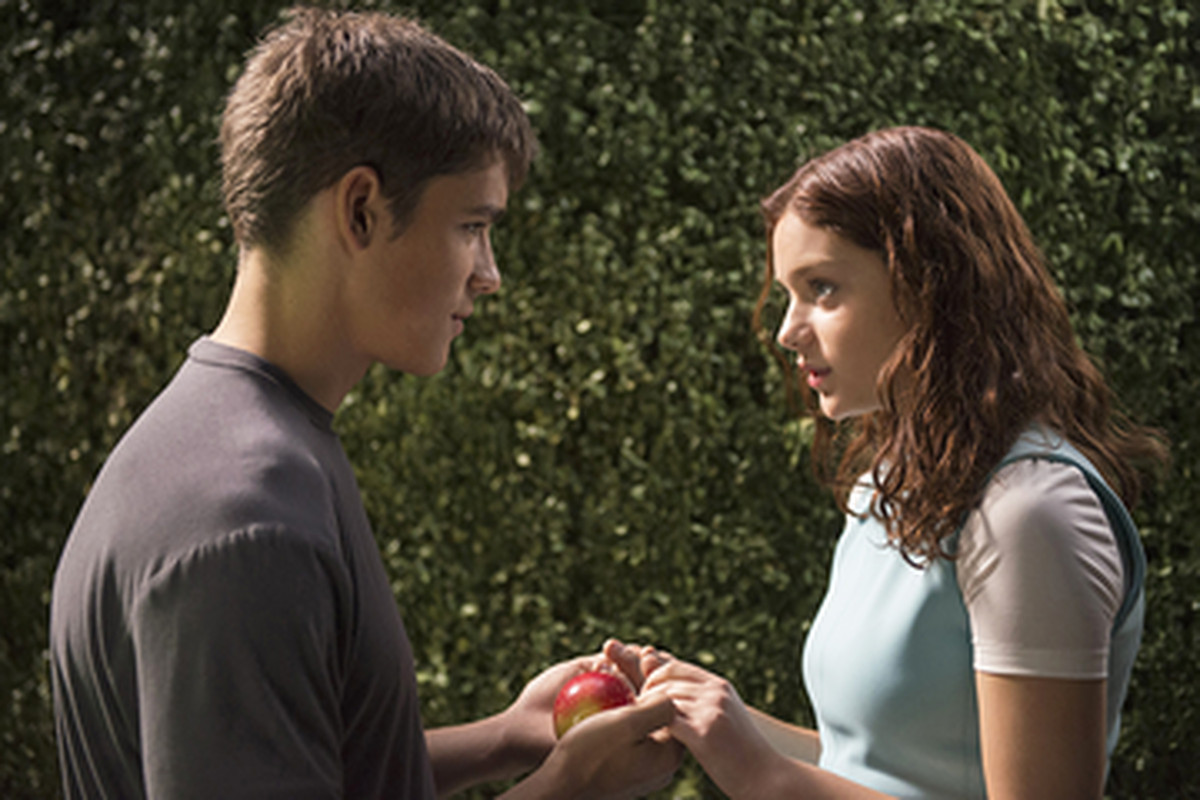 7 ways the giver movie is different than the book vox