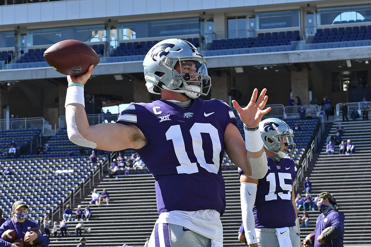 Quarterback Skylar Thompson #10 of the Kansas State Wildcats warms up prior to a game against the Texas Tech Red Raiders at Bill Snyder Family Football Stadium on September 3, 2020 in Manhattan, Kansas.