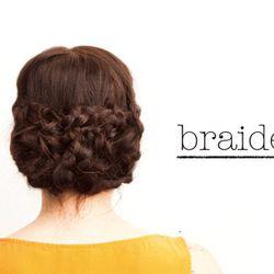 "<a href=""http://thebeautydepartment.com/2011/12/prim-proper/"" rel=""nofollow"">The Braided Bun</a>"