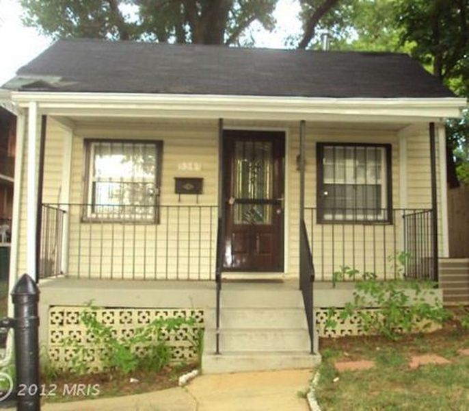 Rookie roosts week buying a house for first timers eater dc for Buy house in dc
