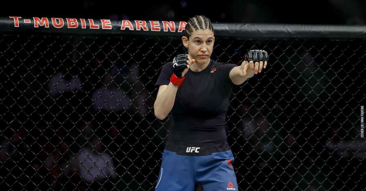 Roxanne Modafferi out of Taila Santos bout on May 8 due to meniscus injury