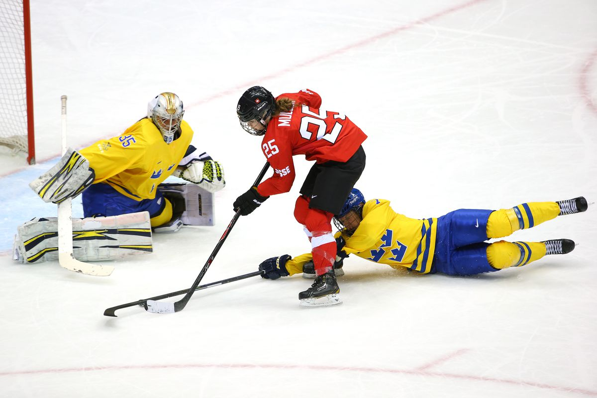 Team USA blanks Russian Federation 5-0, Canada advances 4-1 over Finns