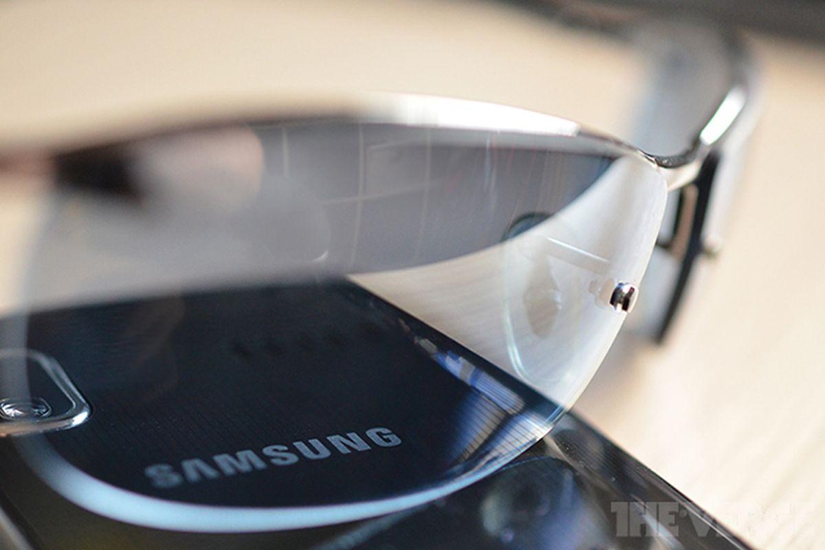Samsung Glass mockup