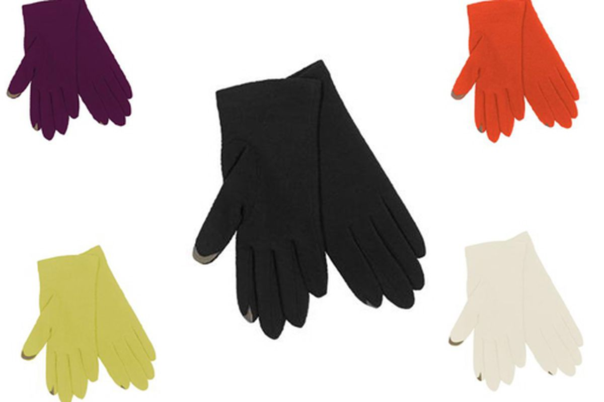 "Images via <a href=""http://www.echodesign.com/Product/echo+touch+glove/default.aspx?rid=4853&amp;crid=656"">Echo</a>"