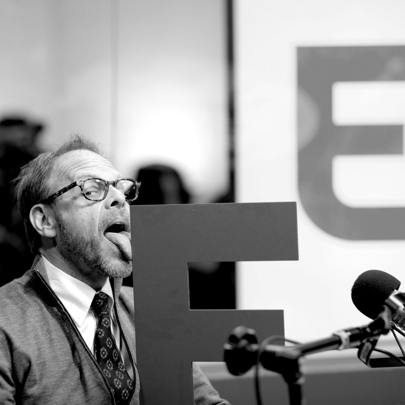 Alton Brown Is The Food World S Philosopher King Eater