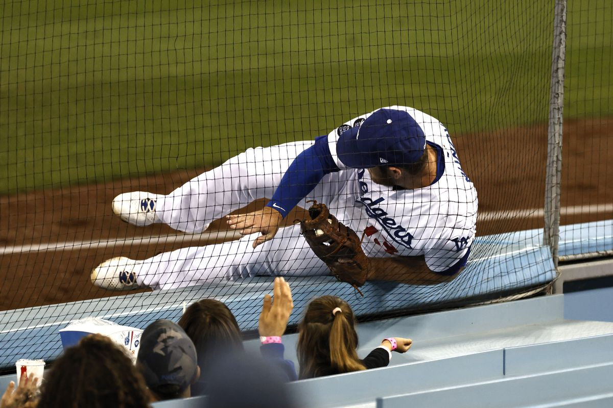 Seattle Mariners v Los Angeles Dodgers