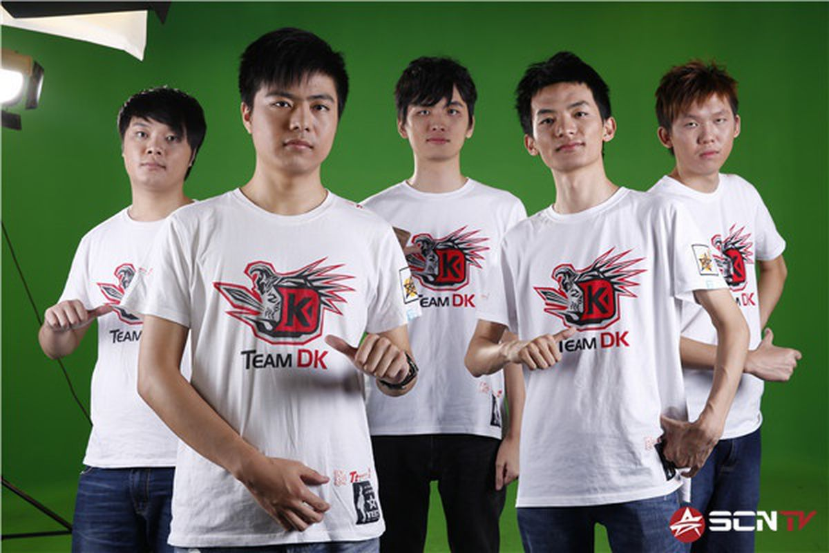 camera crew leaks dota 2 team s strategy at tournament with 10m