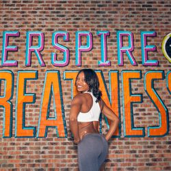 """<a href=""""http://ny.racked.com/archives/2013/08/09/hottest_trainer_contestant_11_courtney_alexander.php""""><b>Courtney Alexander</b></a>"""