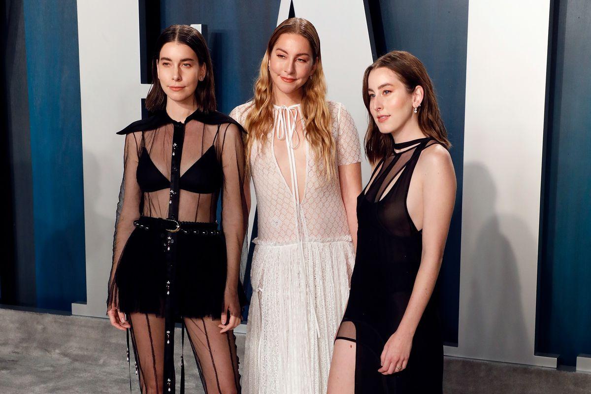 Alana Haim, Este Haim, and Danielle Haim attend the Vanity Fair Oscar Party.