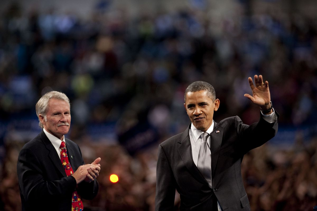 Former Ore. governor Ted Kitzhaber, with his buddy Barack Obama, in happier times.