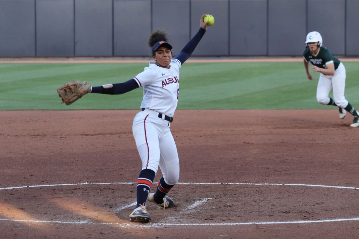 NCAA Softball Tournament: Mickey Dean, Auburn players preview rematch vs. Arizona