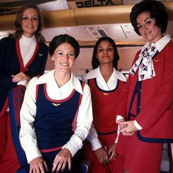 """The 70s ushered in the first uniform that didn't have an accompanying hat. Photo via <a href-""""http://www.deltamuseum.org/explore/history/delta-brand/uniforms/propeller-era-uniforms-1940-1959"""">DeltaMuseum.org.</a>"""