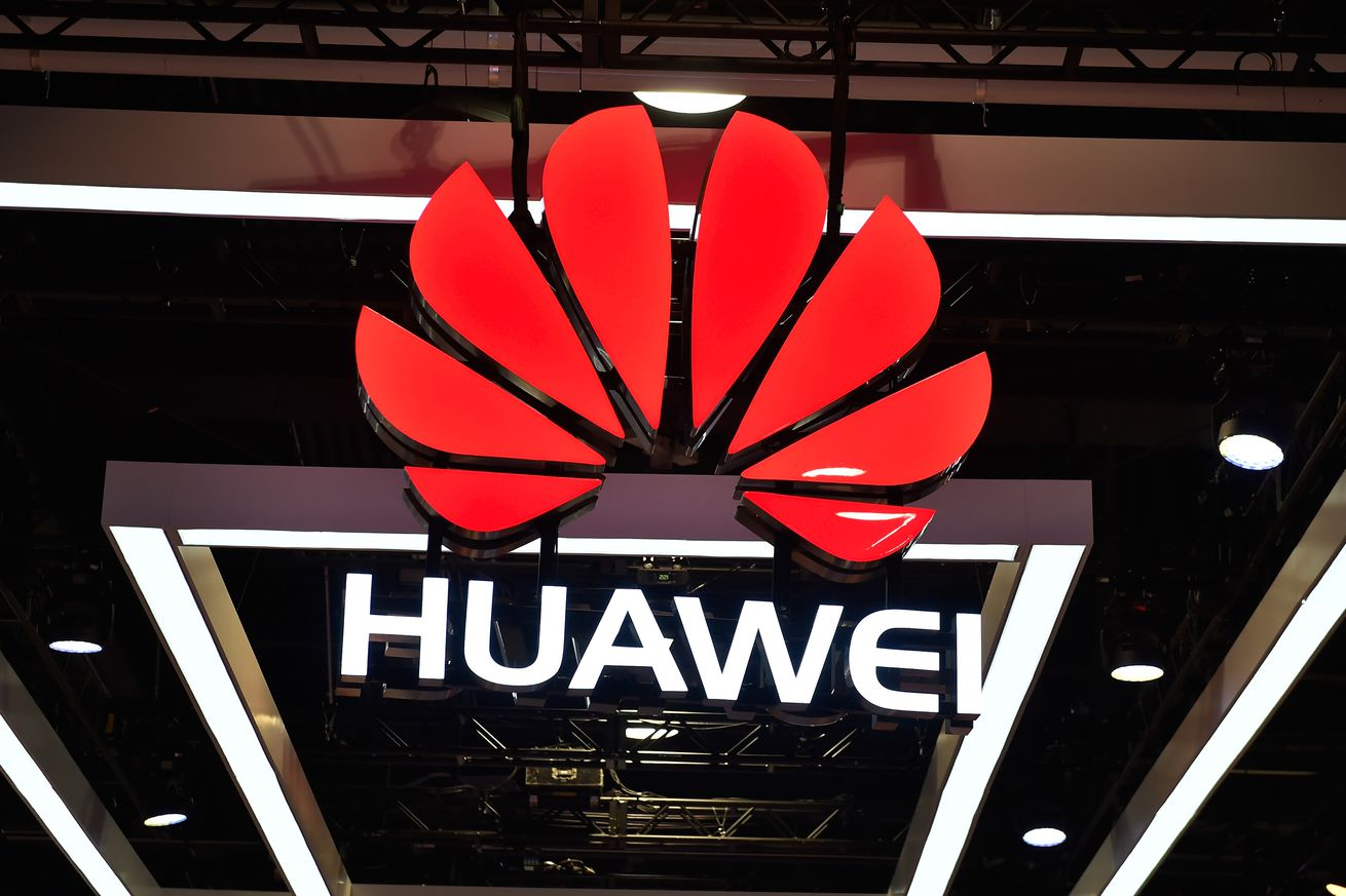 huawei confirms it s working on a 5g foldable phone