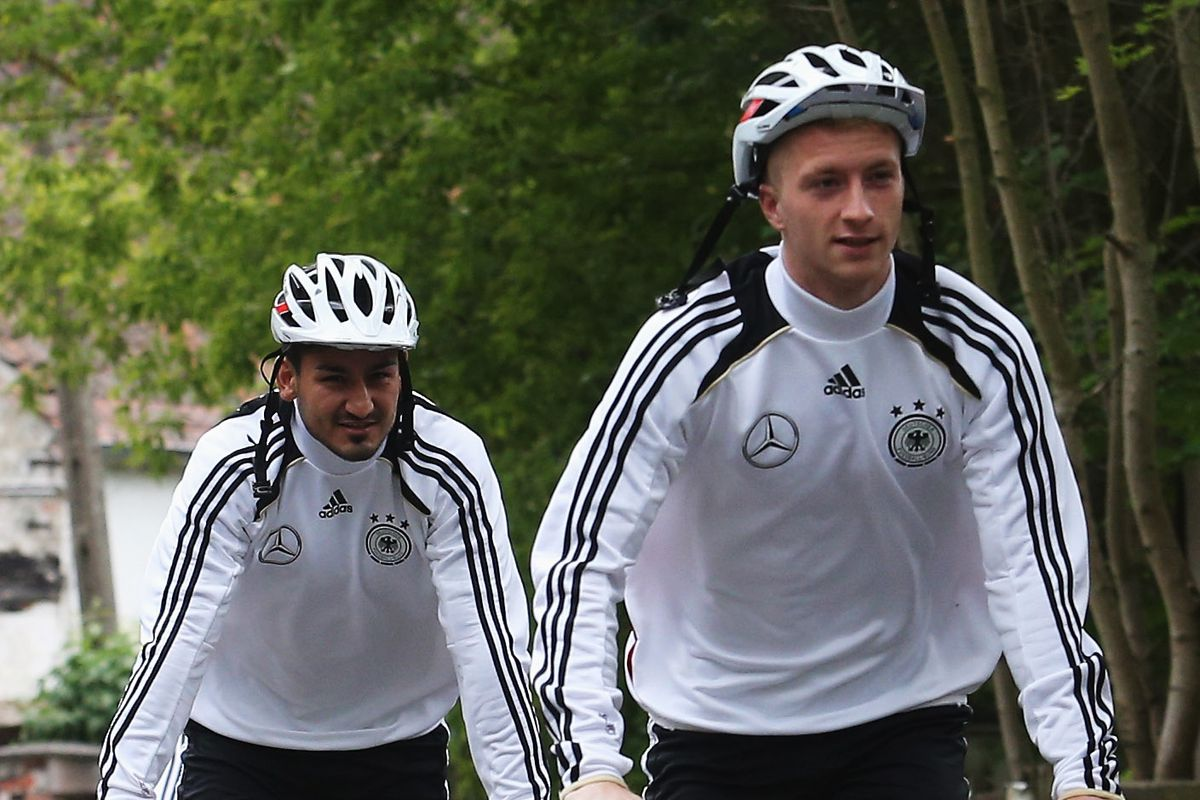 On their way to the Kop to link up with Klopp?