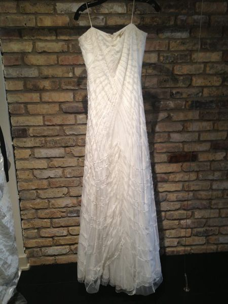 Seven dresses you 39 ll see at nicole miller 39 s bridal sample for Sample wedding dresses chicago