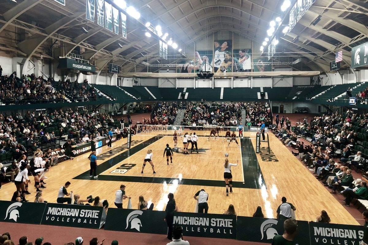 Michigan State volleyball faces No. 3 Minnesota at Jenison Field House Oct. 26, 2018.