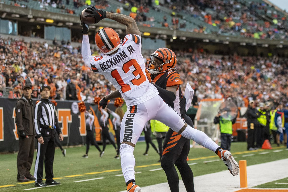Odell Beckham Jr. of the Cleveland Browns makes a touchdown catch during the fourth quarter of the game against the Cincinnati Bengals at Paul Brown Stadium on December 29, 2019 in Cincinnati, Ohio.