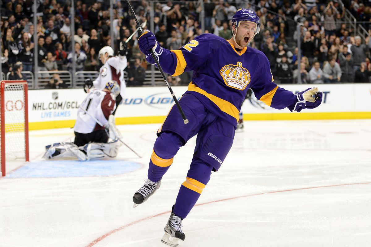 Jeff Carter celebrating his eventual game winning goal in the Kings 4-1 win over the Avalanche.