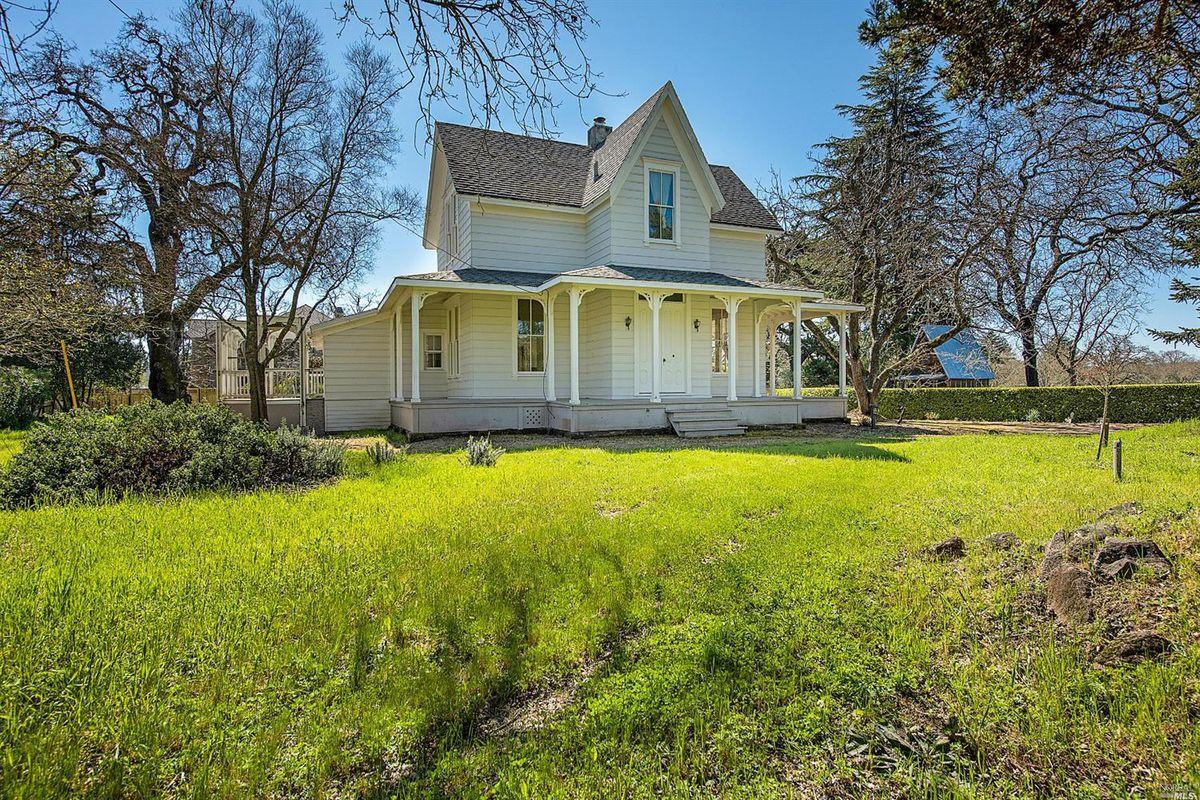Victorian Farmhouse In Sonoma Seeks 1 6 Million Curbed Sf