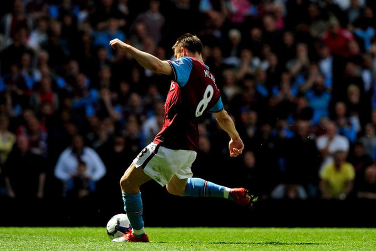 BIRMINGHAM, ENGLAND - APRIL 25:  James Milner of Aston Villa scores a penaltyduring the Barclays Premiership match between Aston Vilaa and Birmingham City at Villa Park on April 25, 2010 in Birmingham, England.  (Photo by Jamie McDonald/Getty Images)