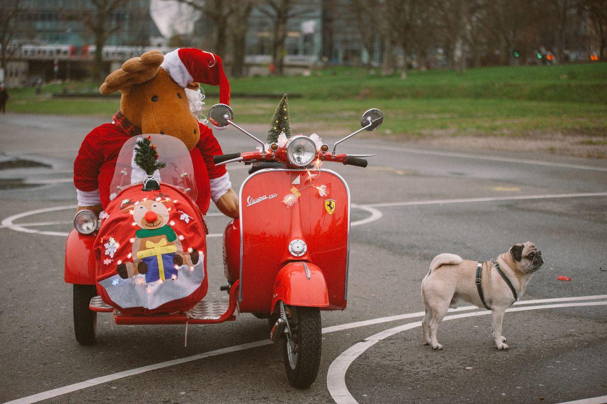 Vespa Xmas Ride In Cologne