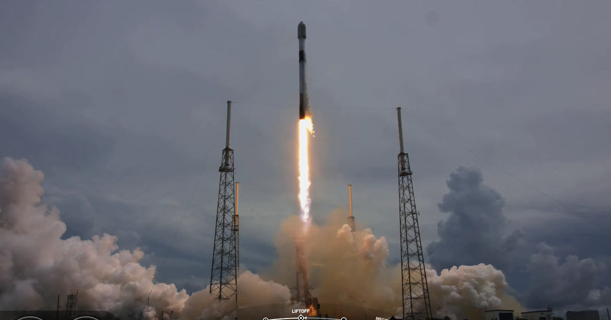 SpaceX just launched 88 satellites to space