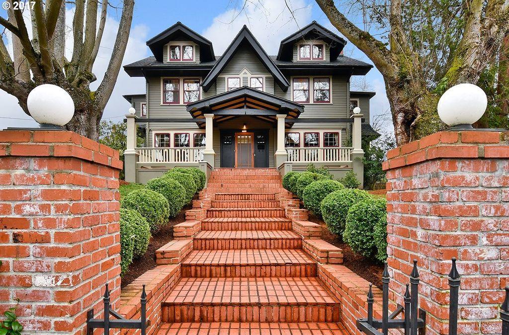 craftsman house in Portland