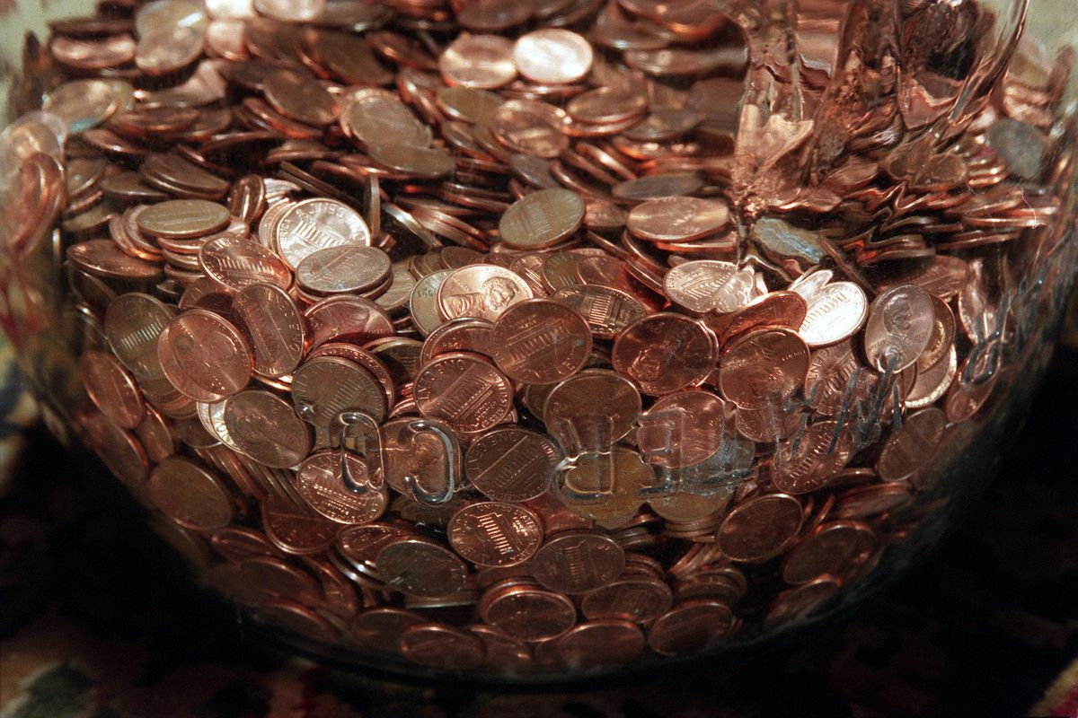 033689.ME.0728.Pennies4.PR––Pennies, unpopular in the marketplace, end up in a jar on the livingroom