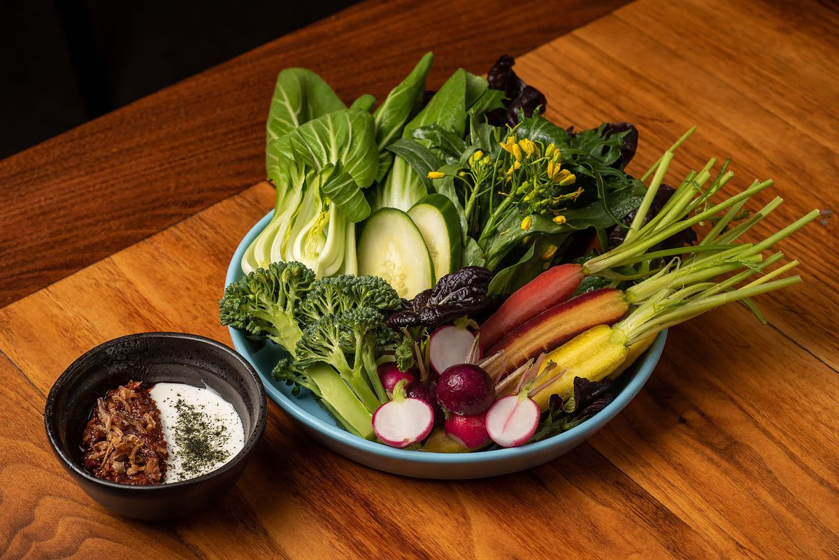 Fresh cut vegetables from Majordomo on a plate