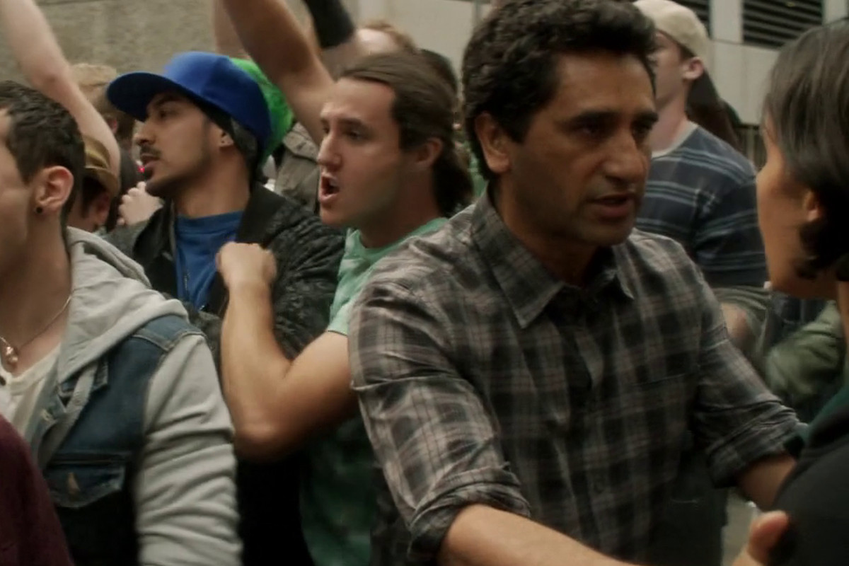 Political protests break out in the latest episode of Fear the Walking Dead, endangering everyone.