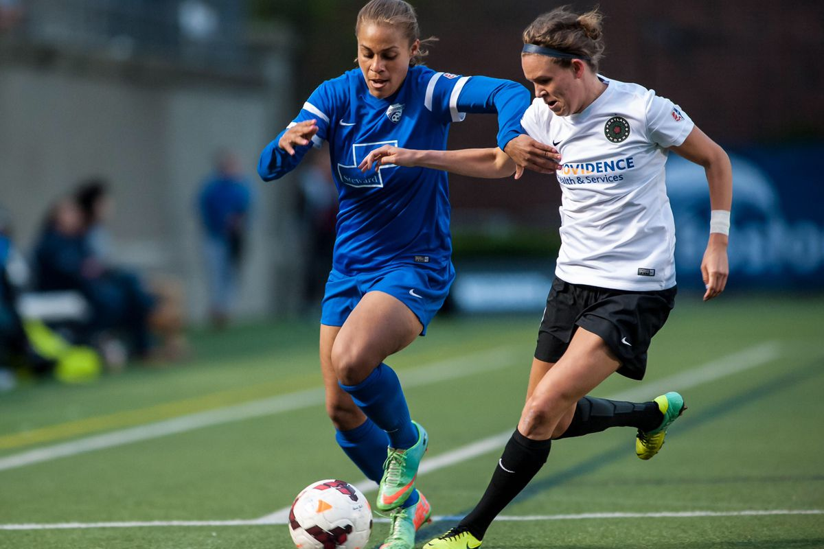 Reeves dominated the Thorns on Wednesday, scoring three goals while adding an assist