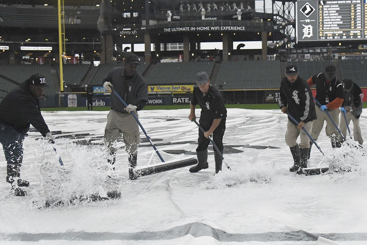 White Sox, Tigers delayed by rain