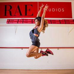 """<a href=""""http://sf.racked.com/archives/2013/08/16/racked-sf-hottest-trainer-2013-contestant-10-jessica-rae.php"""">Jessica Rae</a>"""