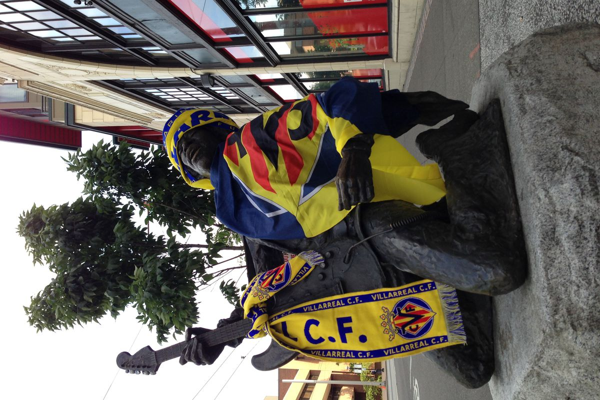 The Jimi Hendrix statue in Seattle, suitably attired for yesterday's match.