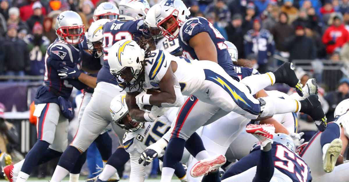 Should the Chargers pay or trade Melvin Gordon?