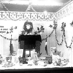 Utah Power and Light widow in 1916 showed its customers a few Christmas gifts that run well on its electricity.