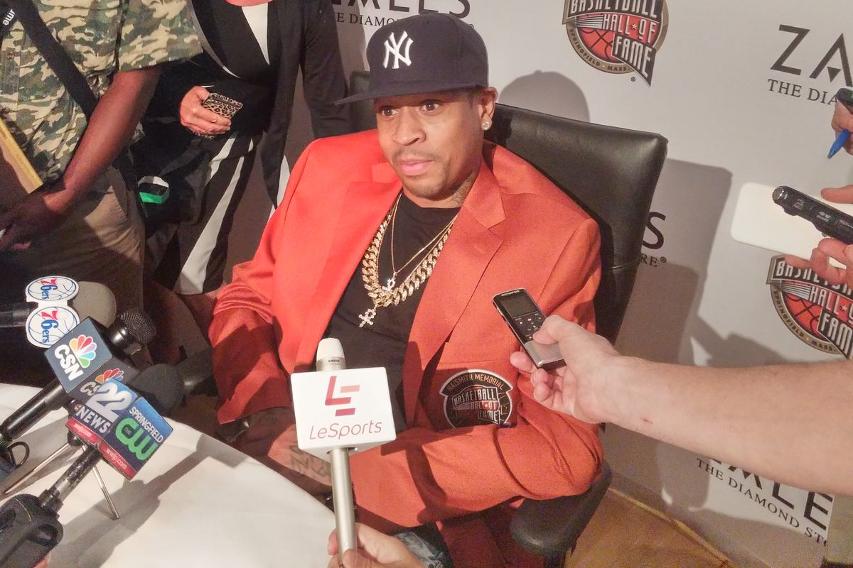 Allen Iverson holding court at the 2016 Naismith Hall of Fame press conference
