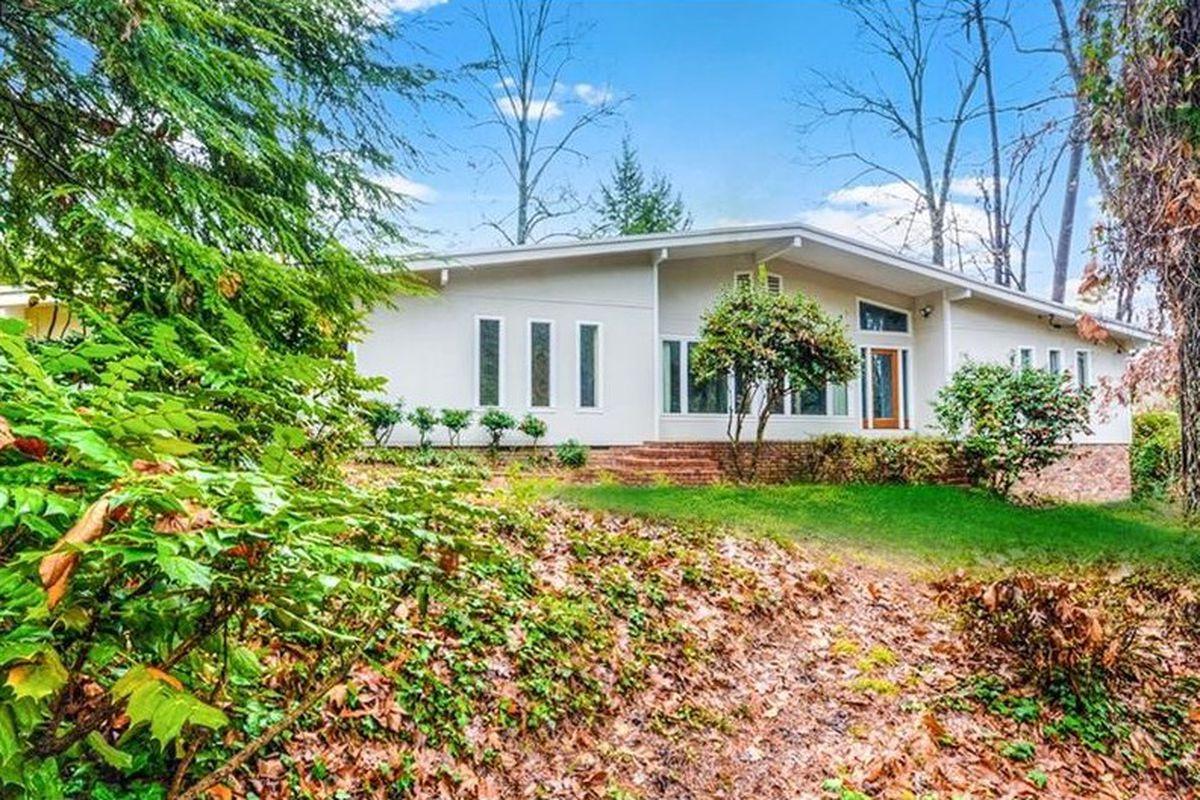 A midcentury modern home from 1967 in Buckhead, Atlanta.