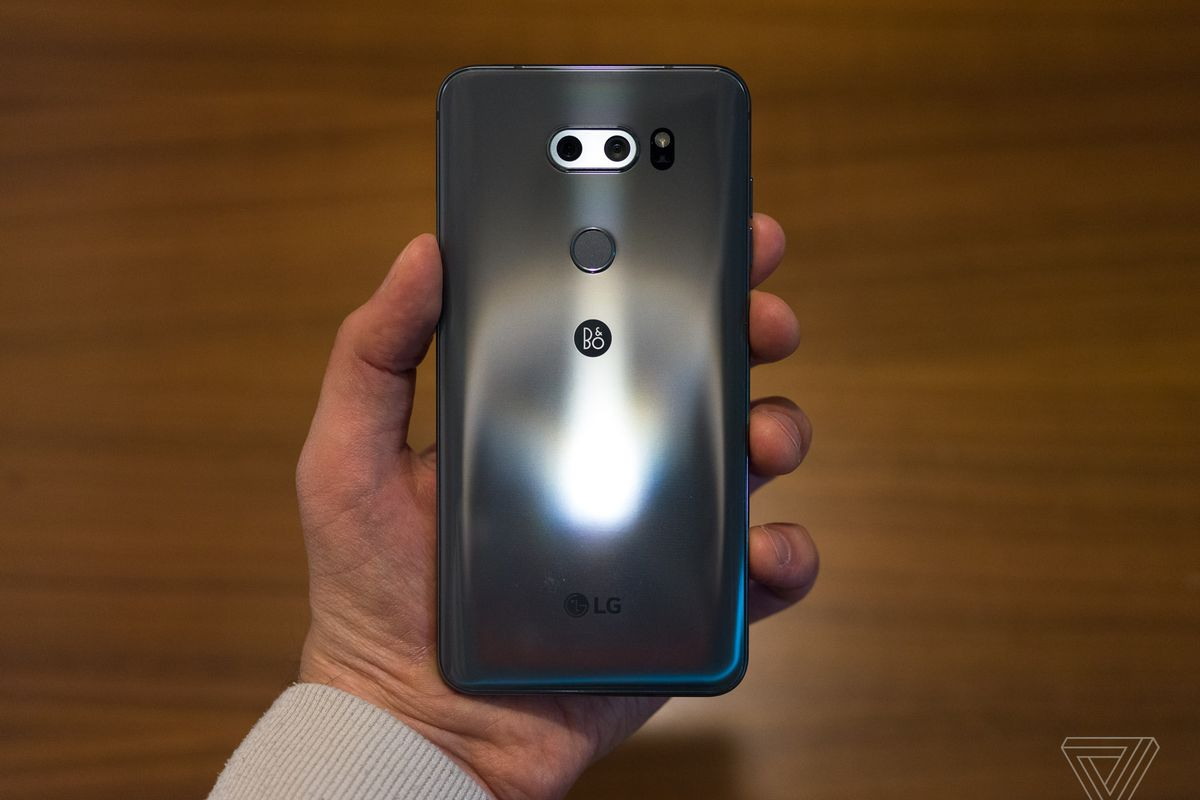 MWC 2018: LG V30S ThinQ with integrated AI, dual cameras launched