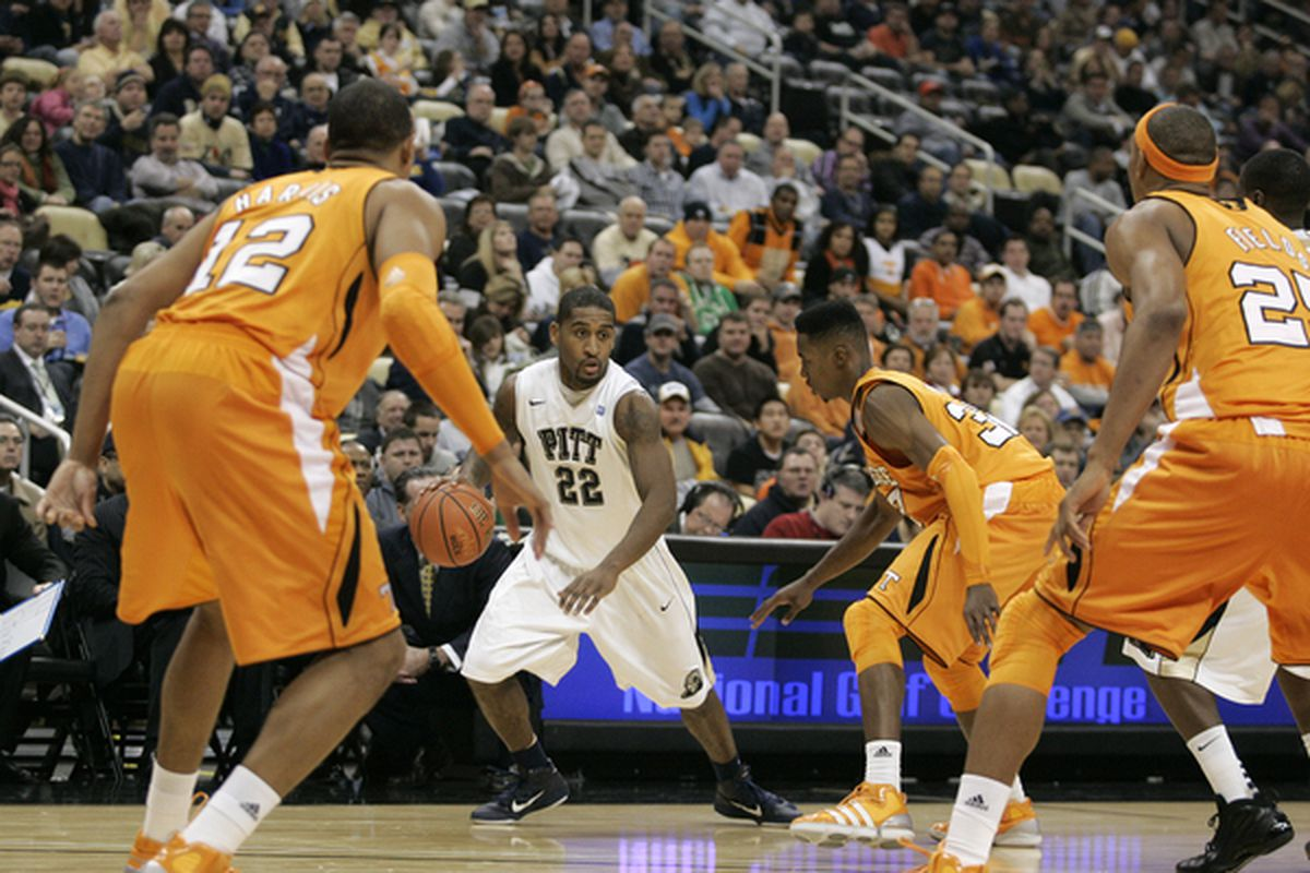 Ncaa Basketball Schedule Tv Times And More Pitt And West Virginia To Be Tested In 2011 Big East Sec Challenge Sb Nation Pittsburgh
