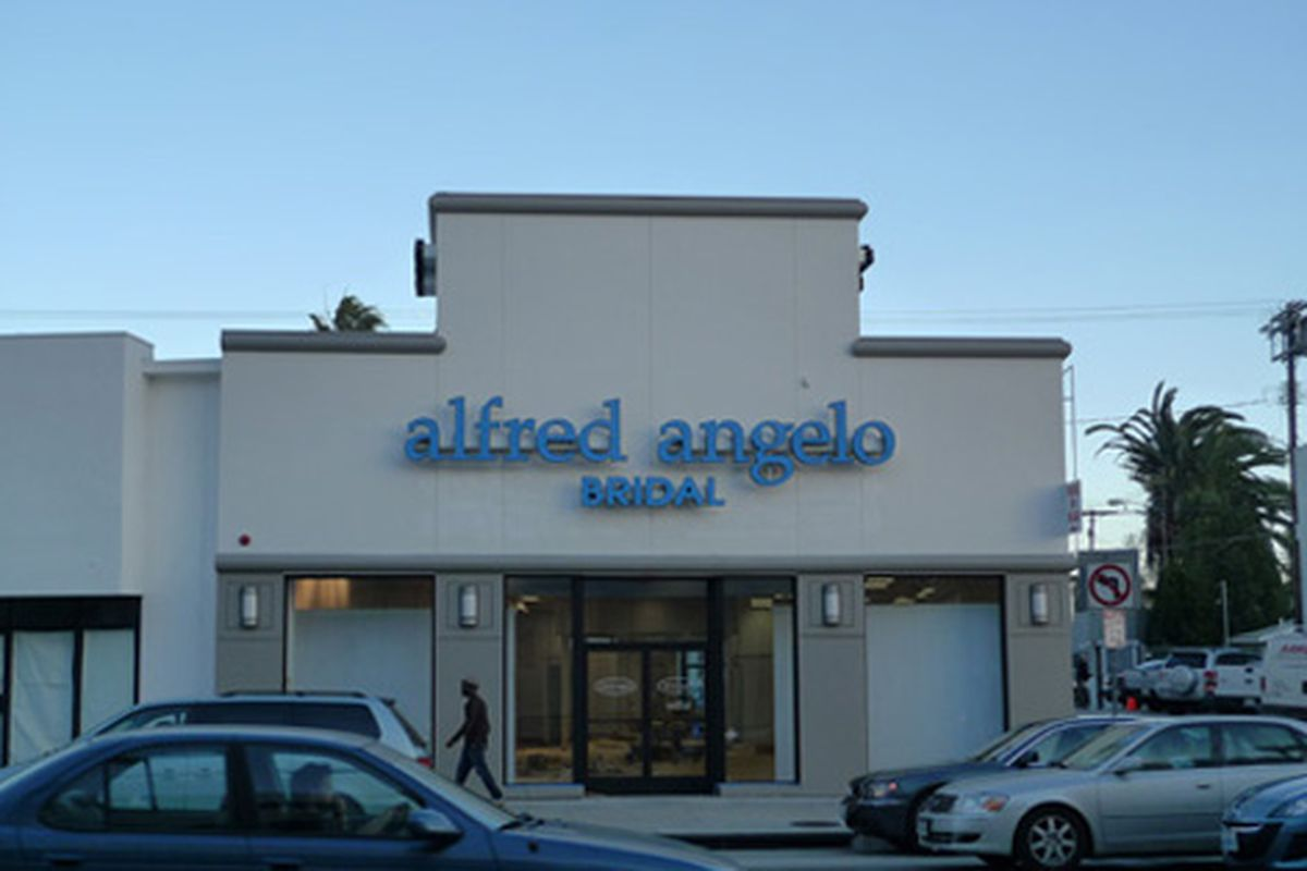 """There's a new kind of party on La Cienega. Image via <a href=""""http://blackburnandsweetzer.com/2009/12/22/shops-alfred-angelo-bridal-taking-over-party-paper-life-space/"""">Blackburn &amp; Sweetzer</a>."""