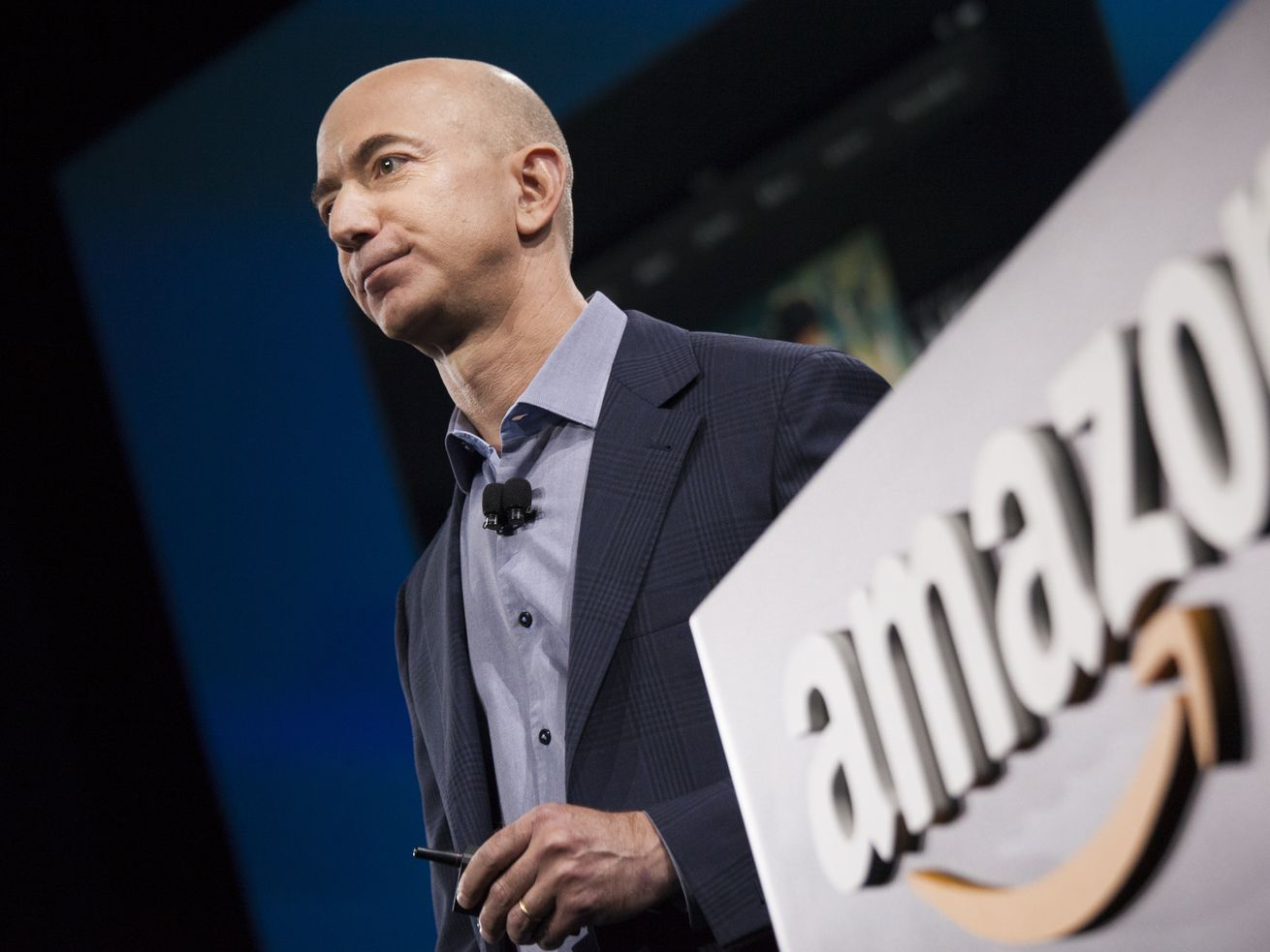 Amazon is reportedly considering buying Boost Mobile from Sprint.
