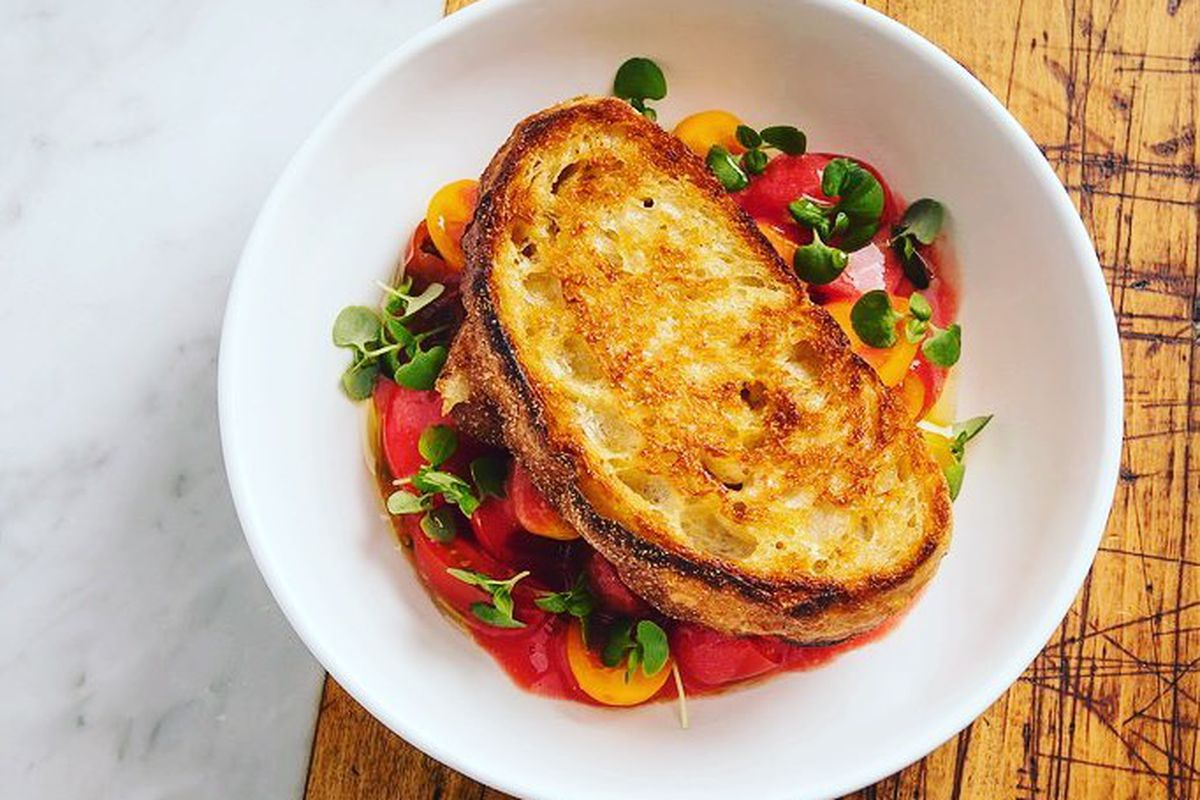 Tomatoes with garlic toast at Pammy's
