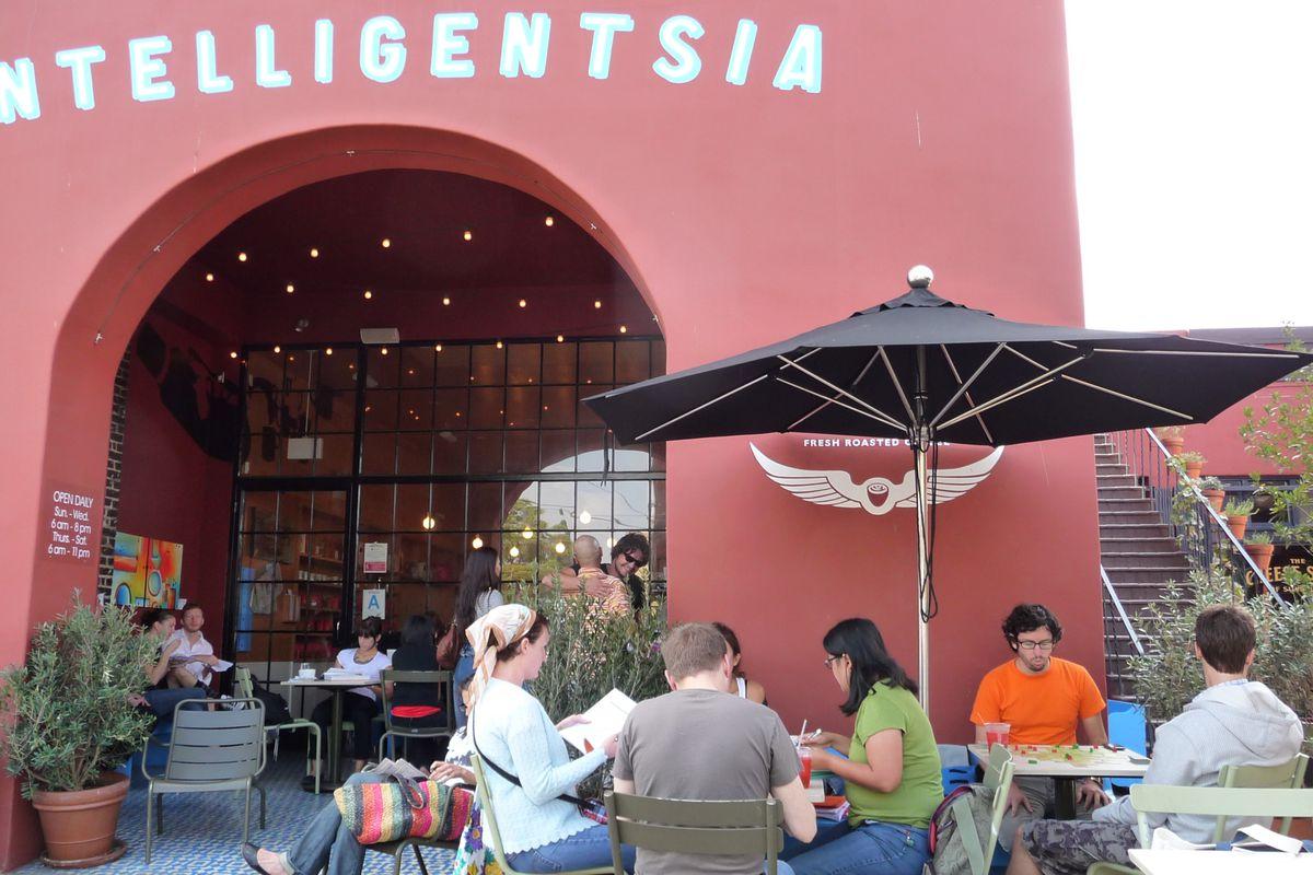 Outside Intelligentsia Silver Lake, Los Angeles