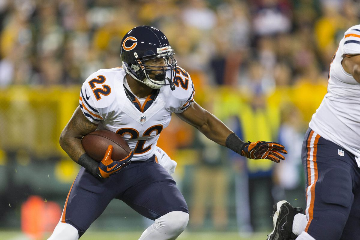 Sep 13, 2012; Green Bay, WI, USA;  Chicago Bears running back Matt Forte (22) carries the football during the first quarter against the Green Bay Packers at Lambeau Field.  Mandatory Credit: Jeff Hanisch-US PRESSWIRE