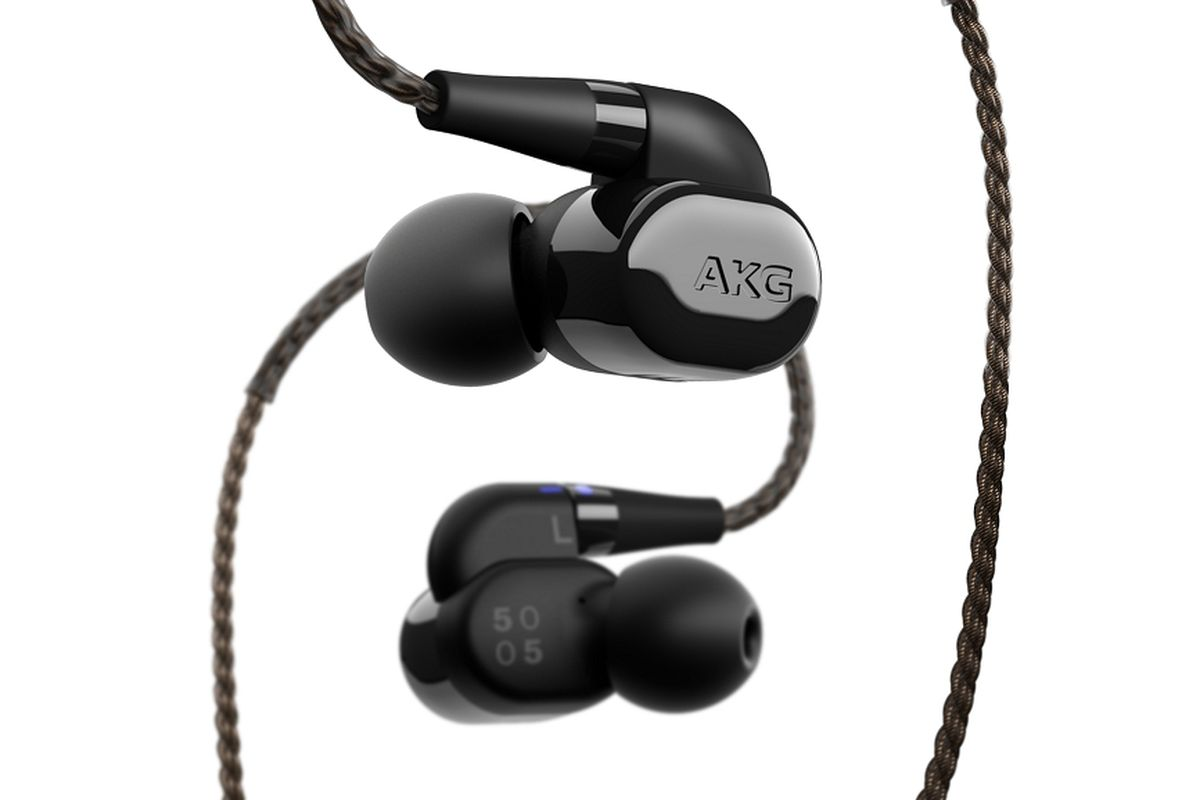Akgs New 1000 In Ear Headphones Promise Studio Quality And Have Headset Samsung Akg S8 Original Image