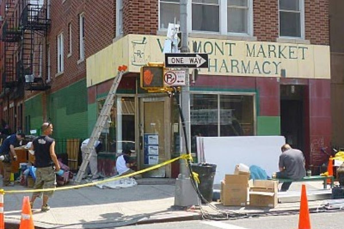 """Image via <a href=""""http://lostnewyorkcity.blogspot.com/2010/05/refurbished-vermont-market-to-reopen.html"""">Lost City</a>"""